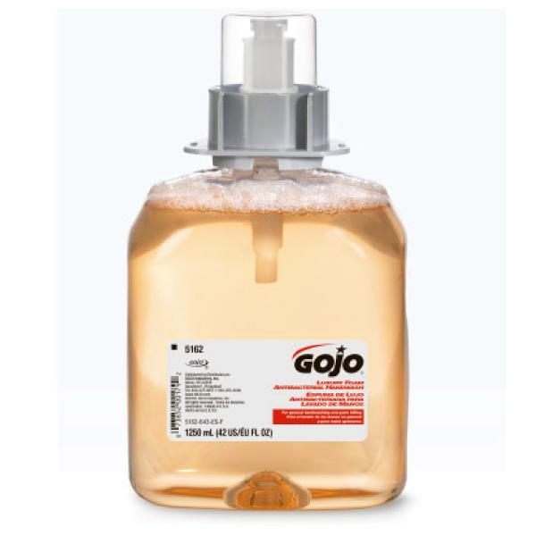 5162_03_gojo_luxury_foam_antibacterial_handwash_lavado_de_manos_suave_y_antibacterial_con_una_fragancia_de_fruta_fresca_1250_ml